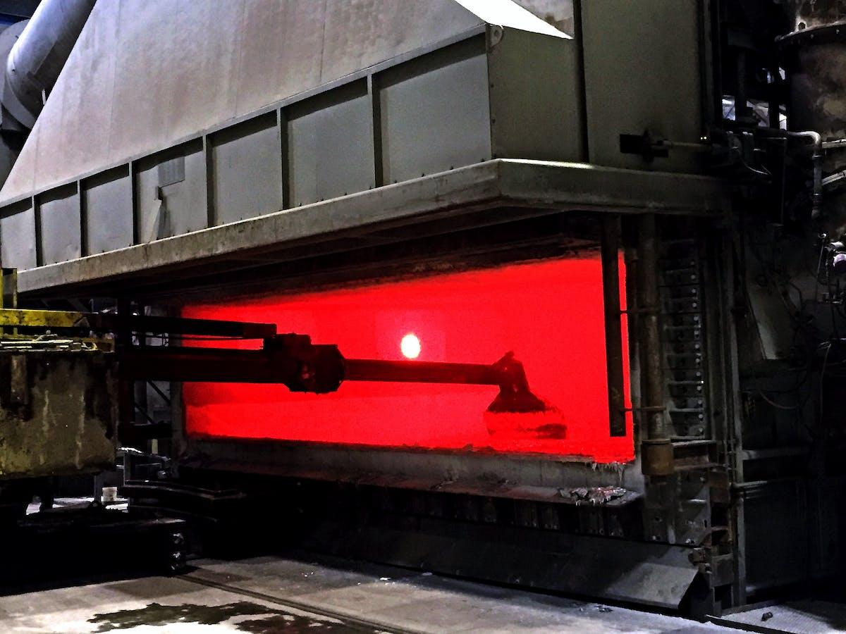 Smelteovn hos Benteler Raufoss